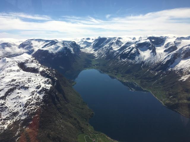 Åker du med Fjord Helikopter får du uppleva denna fantastiska utsikten!